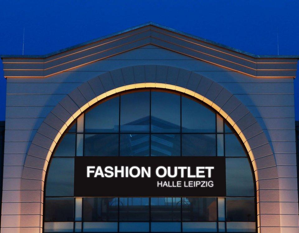 Firmenschilder außen, Leuchtsäule, Leuchtreklame kaufen, LED Leuchtbilder, Leuchtkasten, Leuchtrahmen, Werbepylon, Firmenpylon, Werbeschild